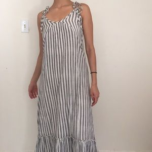 Dresses & Skirts - Maxi striped summer dress